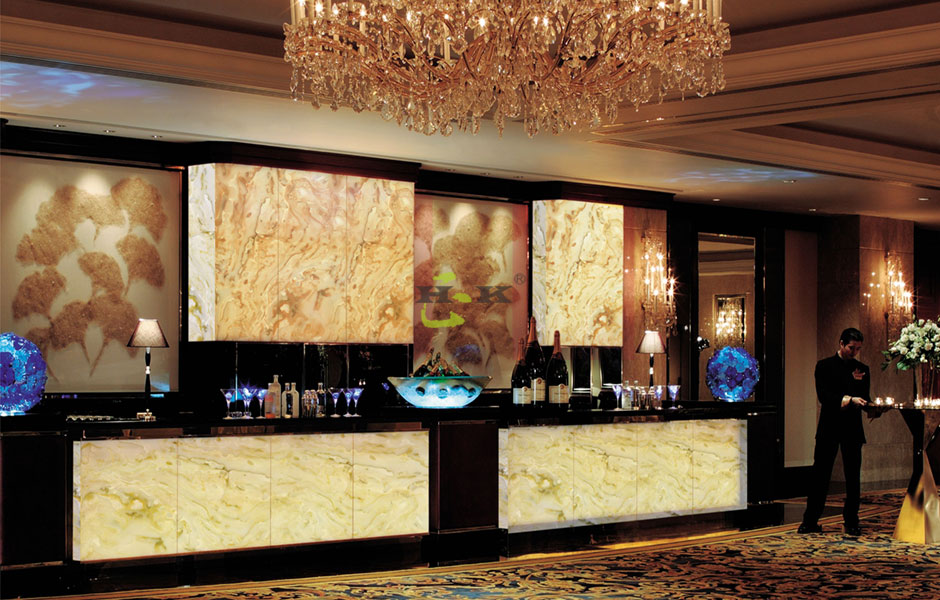 Four advantages of translucent artificial stone countertops